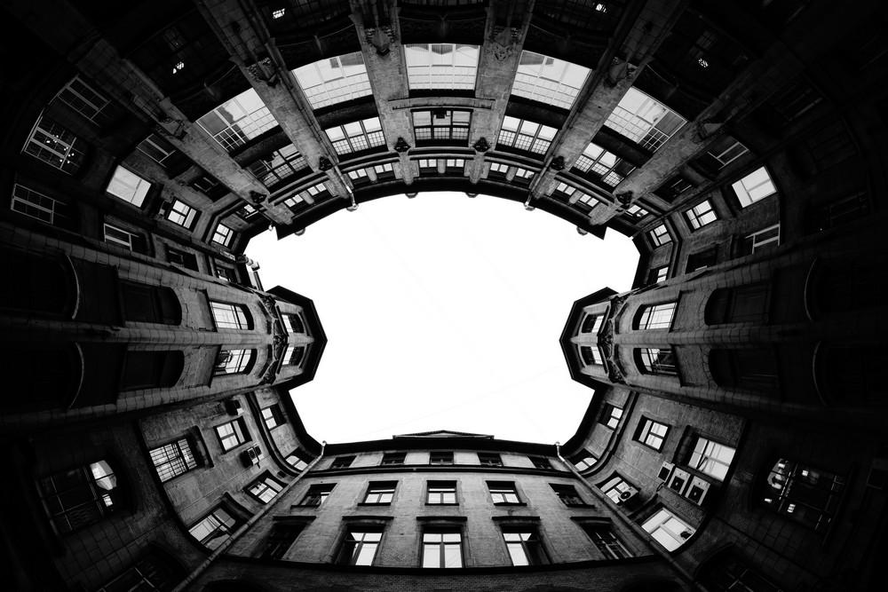 Alex Kom (Россия) «Черно-белая геометрия»