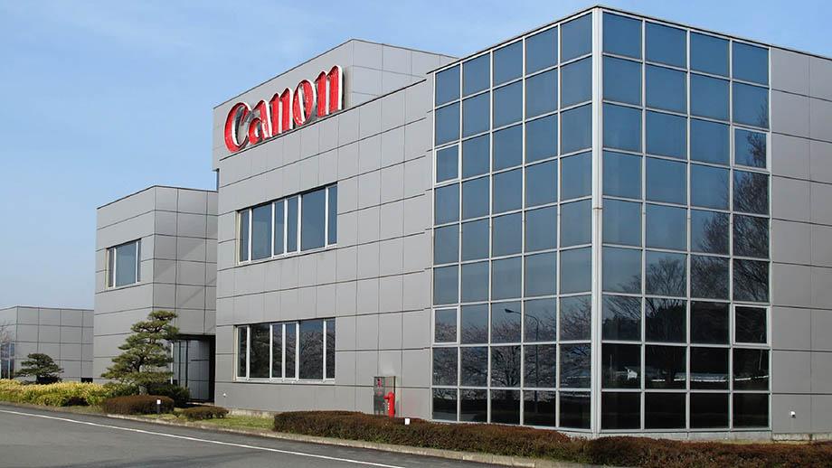 Canon останавливает заводы из-за коронавируса