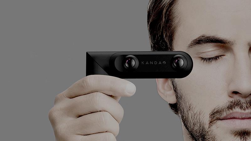 QooCam позволяет снимать панорамное и стереовидео