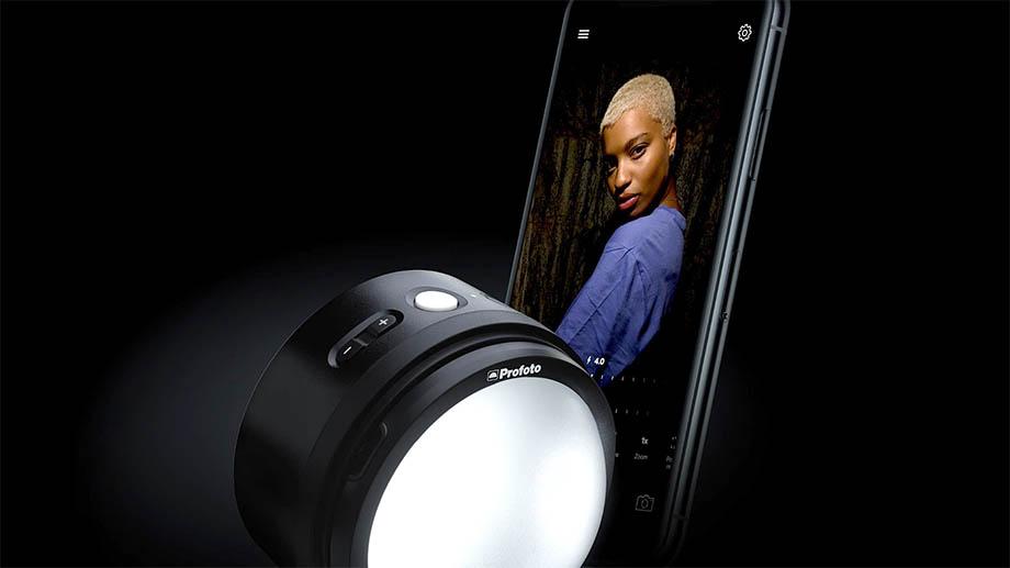 Profoto C1 и Profoto C1 Plus, два портативных источника света для профессиональной съемки смартфоном