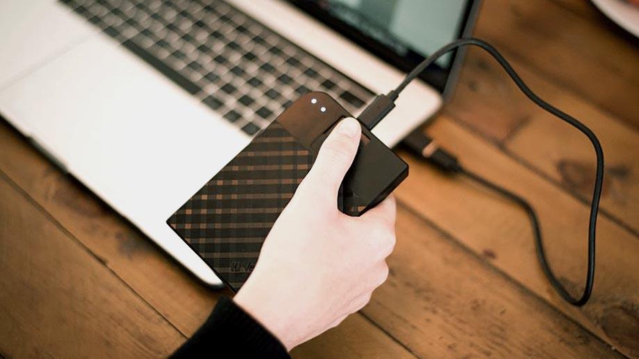 Жесткий диск Verbatim Fingerprint Secure защищает и шифрует данные