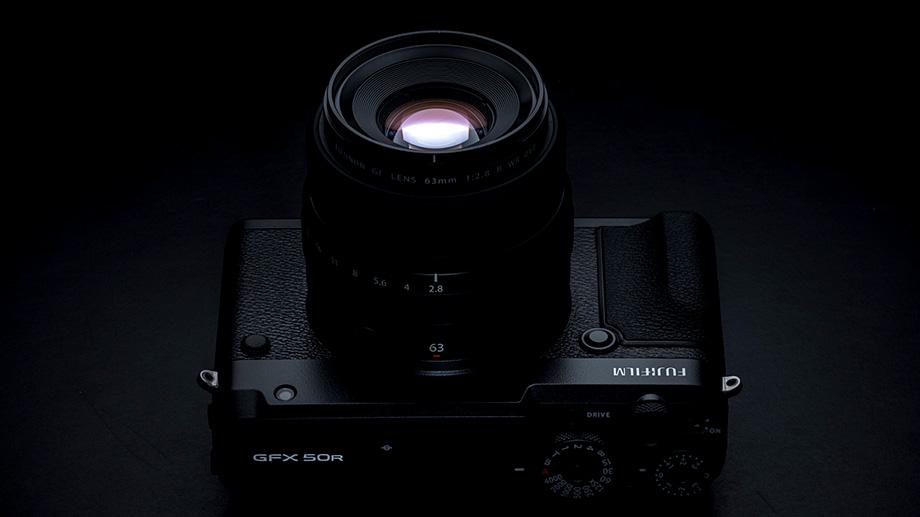 Продажи Fujifilm GFX 50R начнутся уже в ноябре