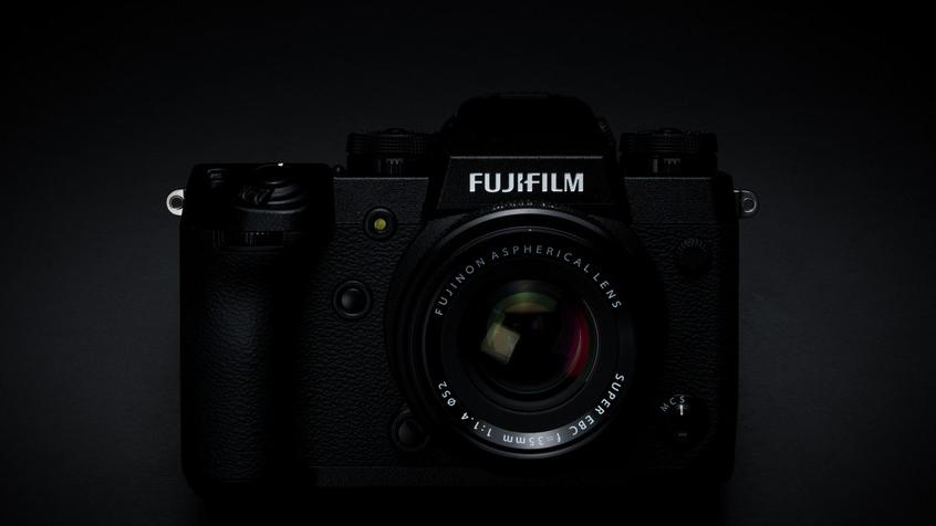 Анонсирована профессиональная камера Fujifilm X-H1