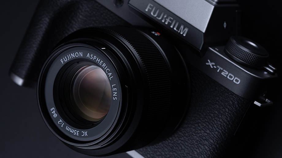 Fuji представила новый доступный фикс-объектив Fujinon XC 35mm F2