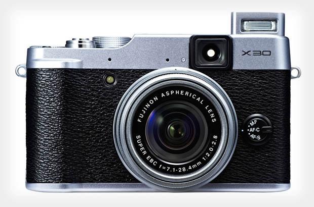 Fujifilm X30 представлена официально
