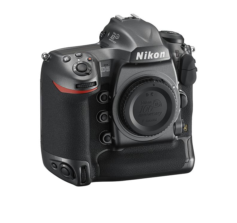 Nikon выпускает юбилейные версии камер и объективов