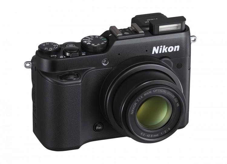 Nikon представил P7800, S02 и лампу LD1000