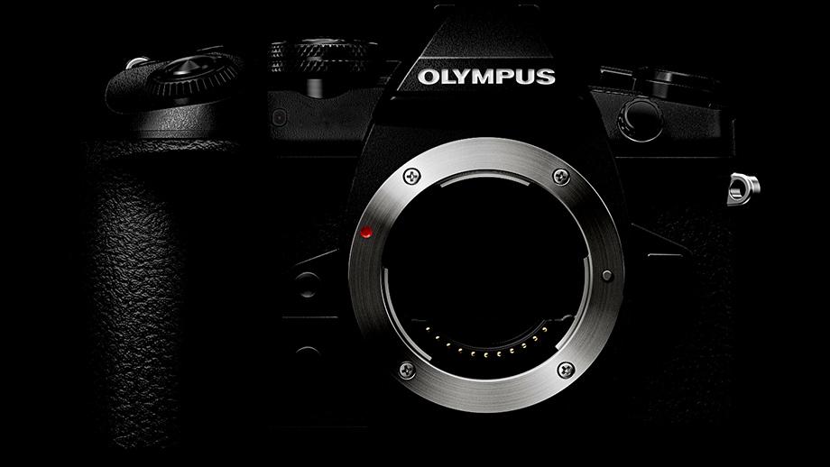 Новый Olympus IM010 будет чуть меньше Canon 1DX Mark II