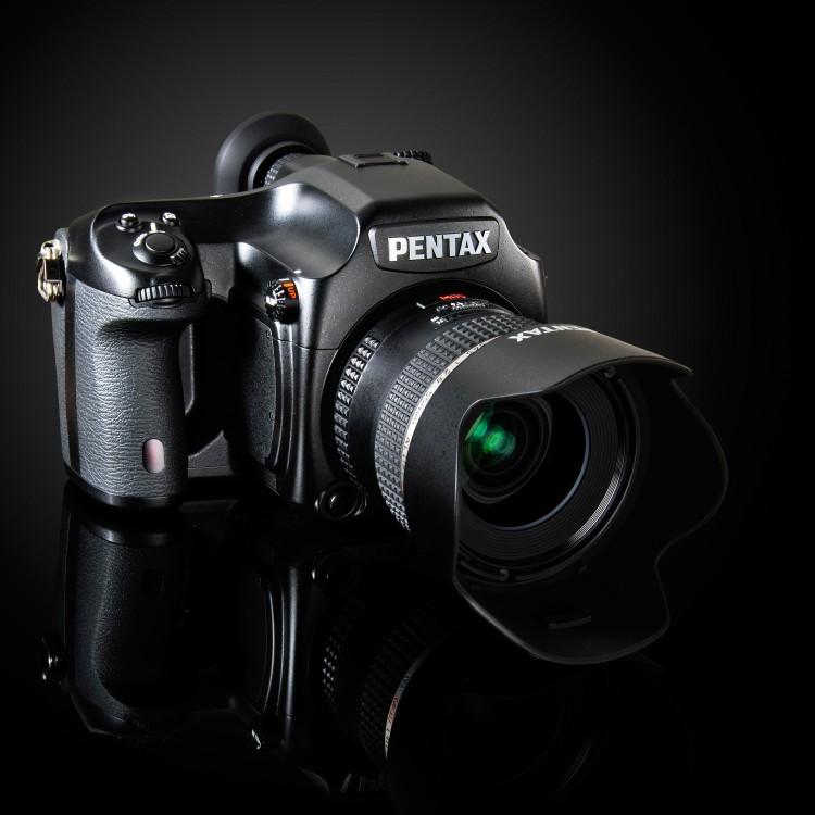 Pentax 645D стал несколько доступнее