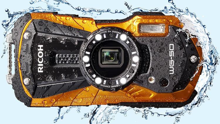 Камерой Ricoh WG-50 можно колоть орехи и снимать на глубине 14 м