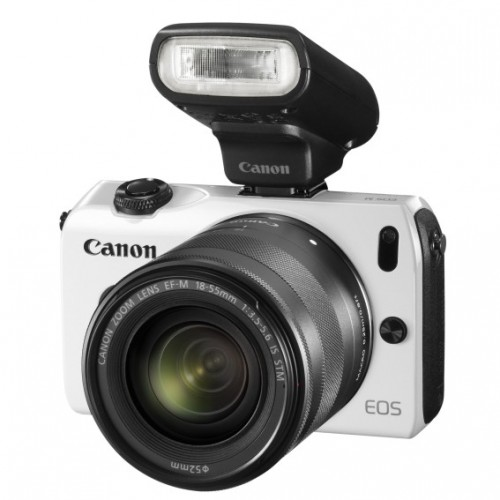 Canon EOS M WHITE c объективом EF-M 18-55mm IS STM и вспышкой SPEEDLITE 90EX