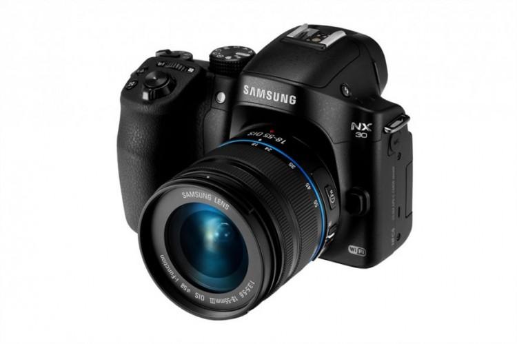 Samsung начинает продажи камеры NX30