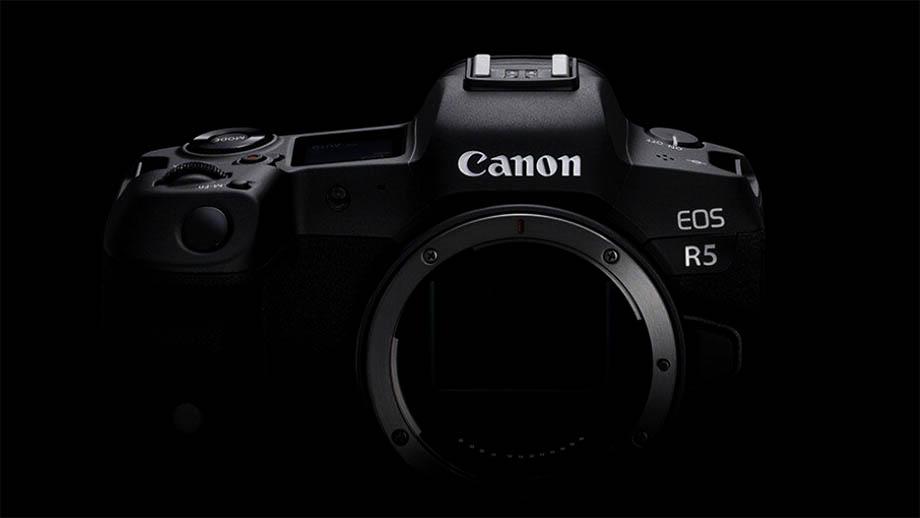 Canon EOS R5 получит два слота под карты двух форматов?