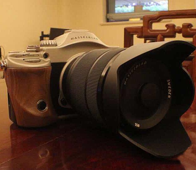 Hasselblad готовит свой клон Sony A7R?