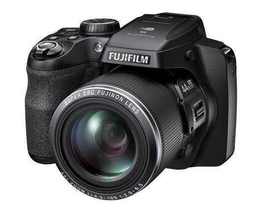 Новый компактный суперзум Fujifilm FinePIx S8400W