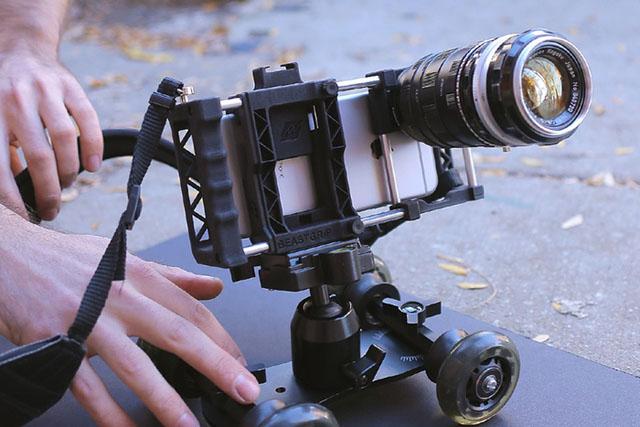 Готовится к выпуску аксессуар Beastgrip Pro для профессиональной съемки смартфонами
