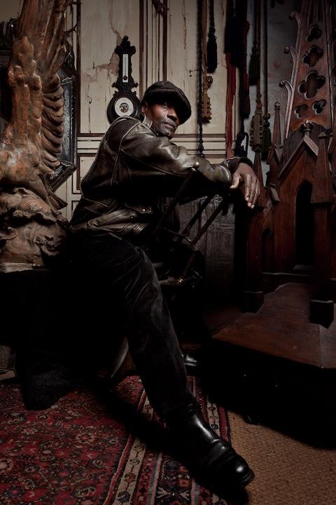 Сергей Ковалёв. Портреты лавочников и их владений на блошином рынке Сент-Уан в Париже