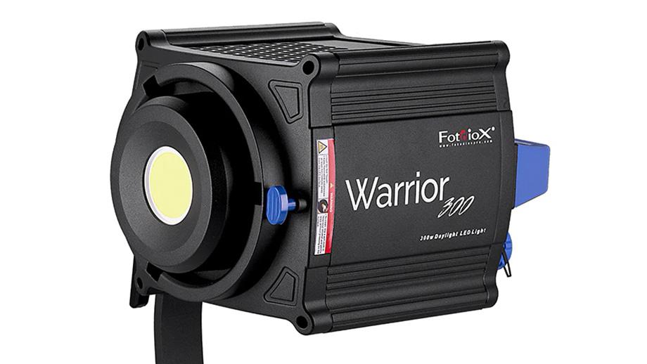 Мощный студийный свет Fotodiox Warrior 300 Daylight LED