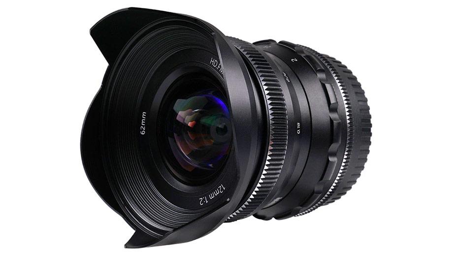 Объектив Pergear 12mm F2 для беззеркальных камер