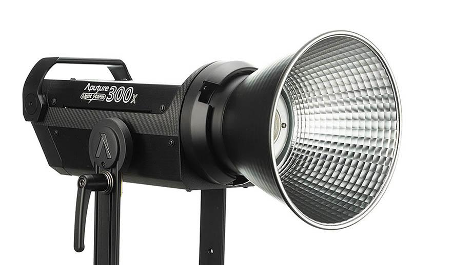 Aputure LS 300X – видеосвет 2700-6500K
