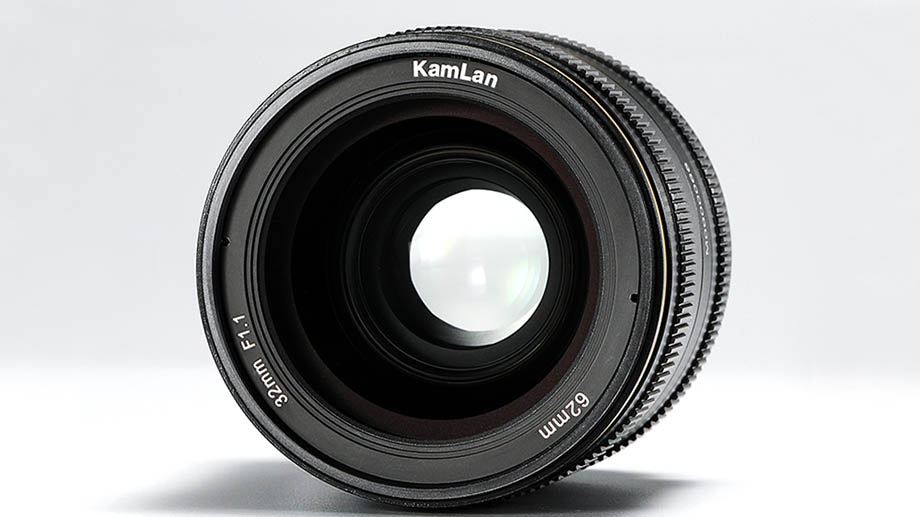 Представлен объектив APS-C Kamlan 32mm f/1.1