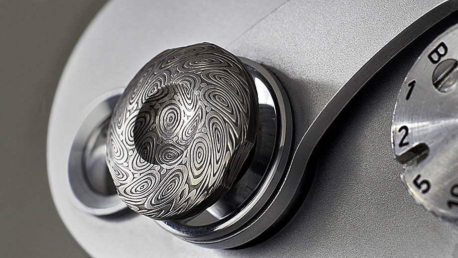 Komaru представила… кнопку за €110 для камер Leica