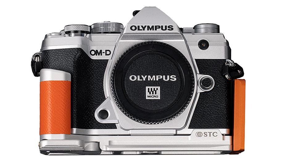 Появилась удобная рукоятка для камеры Olympus OM-D E-M5 Mark III