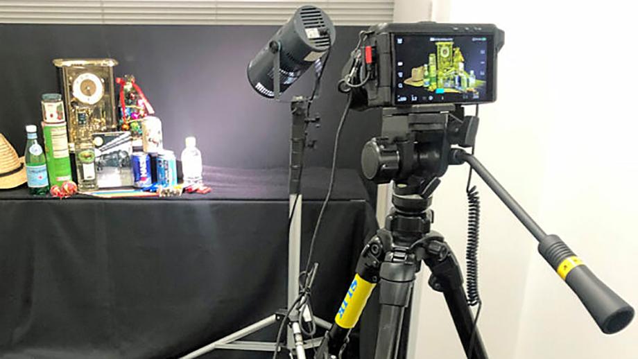 Sharp соревнуется с Pentax'ом в производстве сериалов о будущей камере
