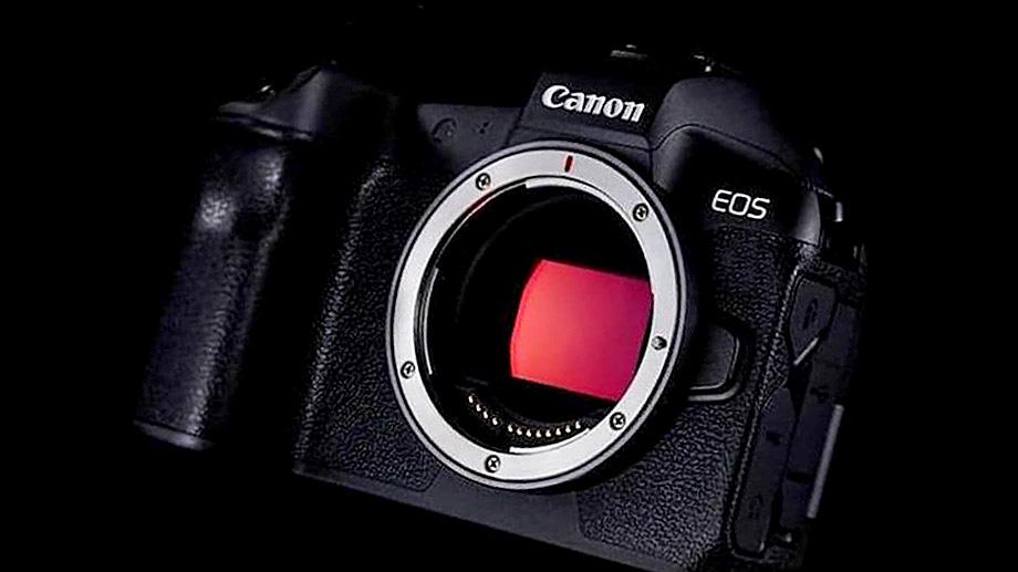 Еще две камеры EOS R появятся в 2021 году