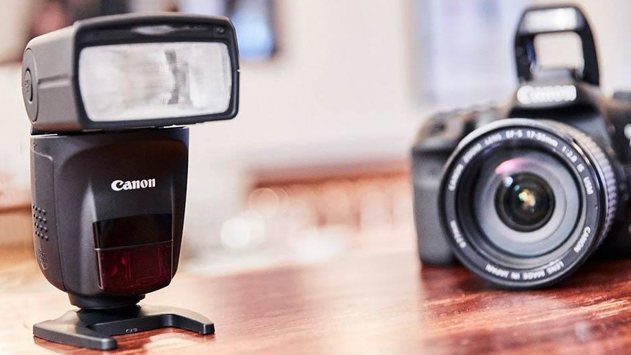 Canon сертифицирует вспышку Speedlight в агентстве связи