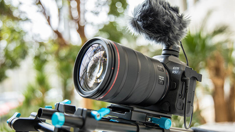 Canon EOS R5 – новые стандарты для беззеркальных камер