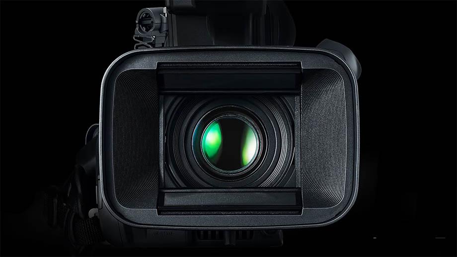 Новую 4K-видеокамеру Canon представят в конце августа?