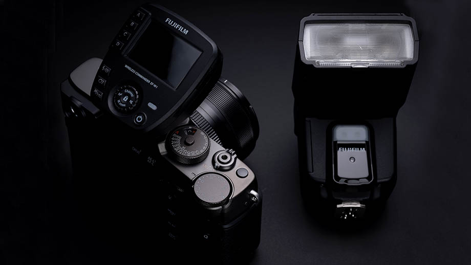 Fujifilm анонсировала вспышку EF-60 и радиосинхронизатор EF-W1