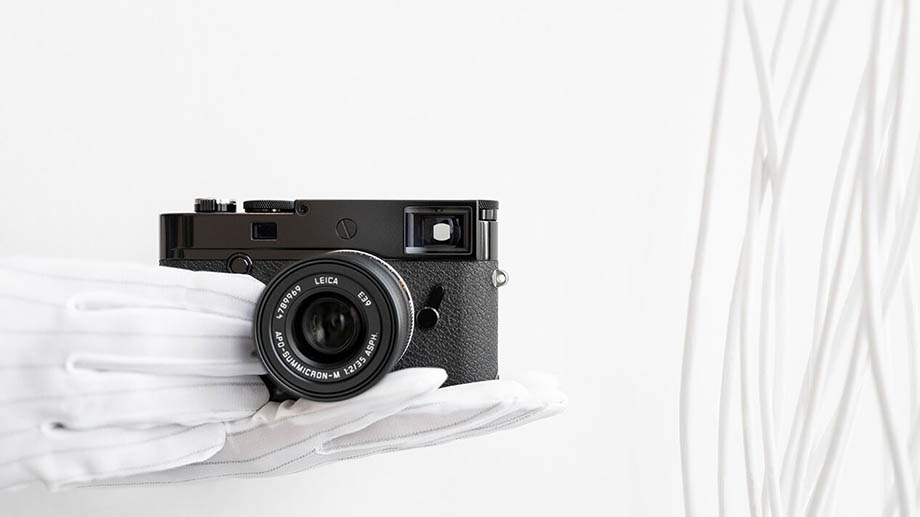 Leica M10-R Black Paint limited edition за $9295