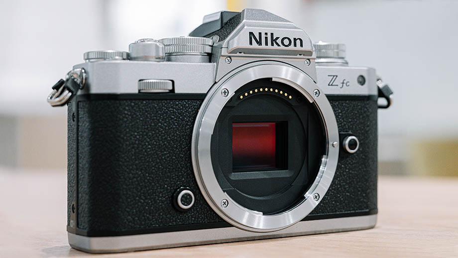 Nikon Z fc стала хитом продаж в Японии