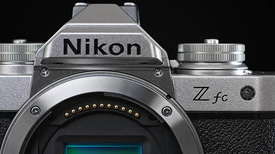 Представлена беззеркальная камера Nikon Z fc