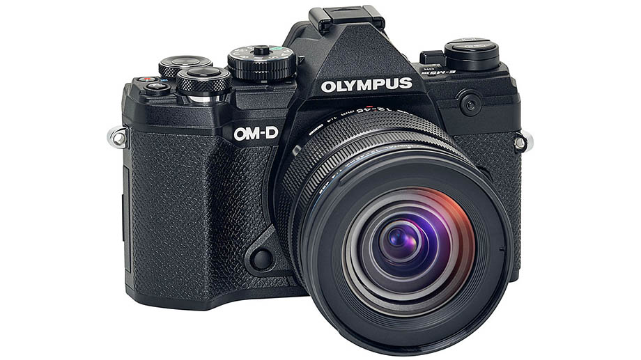 Новый kit с Olympus E-M5 Mark III появился на торговых площадках в США