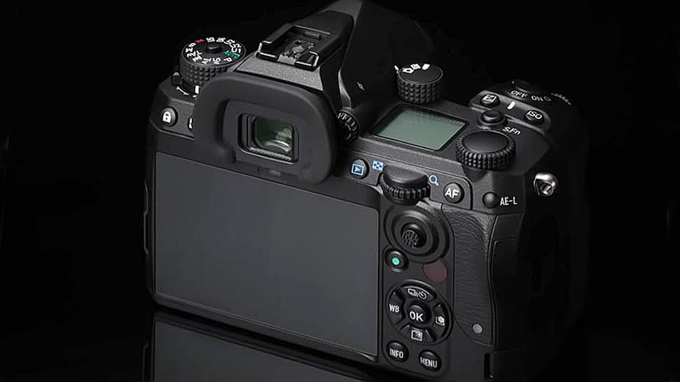 Новая зеркальная APS-C камера Pentax K-new получит фиксированный ЖК-экран