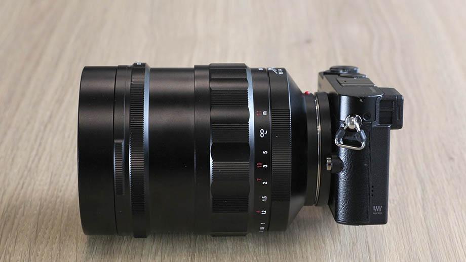 Огромный объектив Voigtlander Nokton 60mm f/0.95 MFT и первые фотографии на него