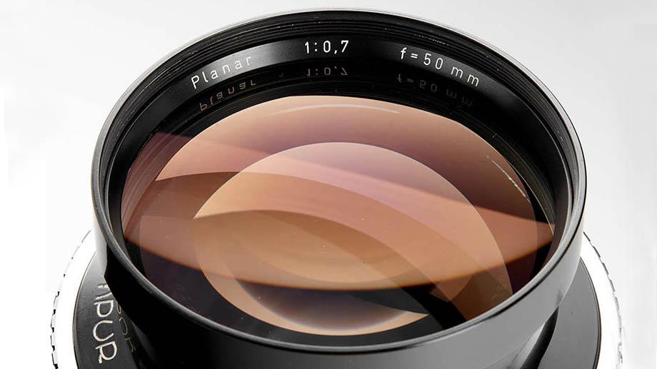 Zeiss Planar 50mm F0.7, лучший объектив для съемки при слабом освещении, выставлен на аукцион